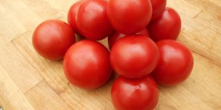 Helppo ja nopea tapa säilöä tomaatit